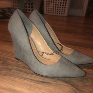 Express Taupe Suede Wedges Size 9